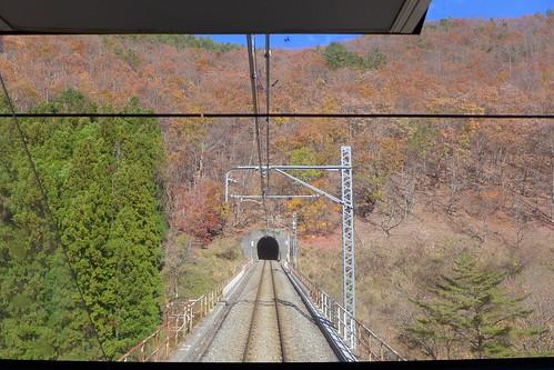 お座トロ展望列車「湯めぐり号」の前面展望