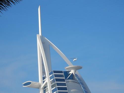 Dubai - Burj Al Arab - heli landt