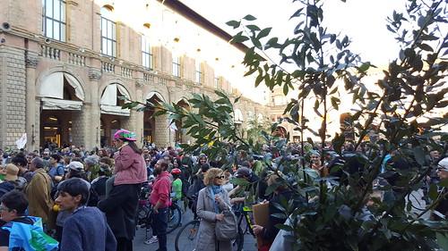 Il Bosco che cammina   by BOLOGNA INSIDE