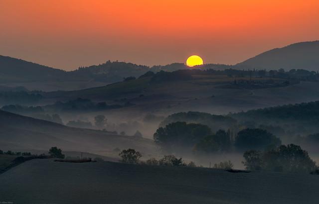 *Le Crete / Trequanda @ sunrise*