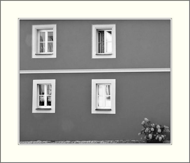 Weinfranken - Iphofen, das rote Haus, ohne Farbe