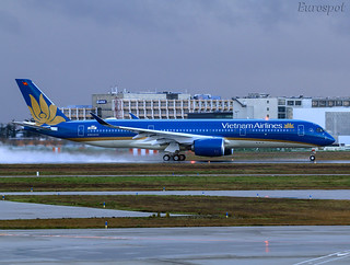 F-WZNP Airbus A350 Vietnam Airlines | by @Eurospot
