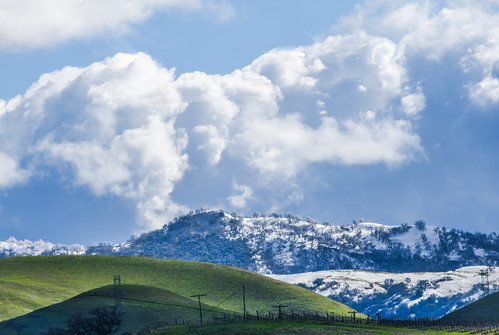 bayarea california nikon d810 color over blue february 2019 winter boury pbo31 outdoors sky alamedacounty green snow capped country clouds hills livermore eastbay wine farm