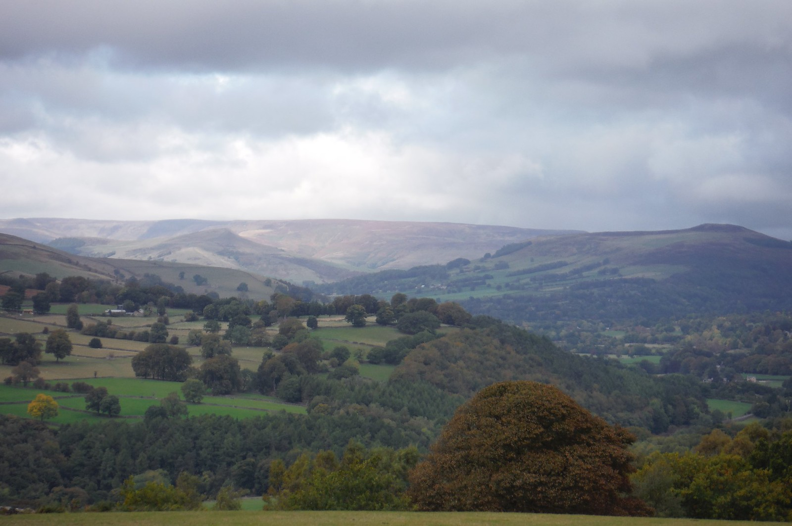 Win Hill and Kinder Scout from Froggatt Edge SWC Walk 322 - Grindleford Circular (via Chatsworth House)