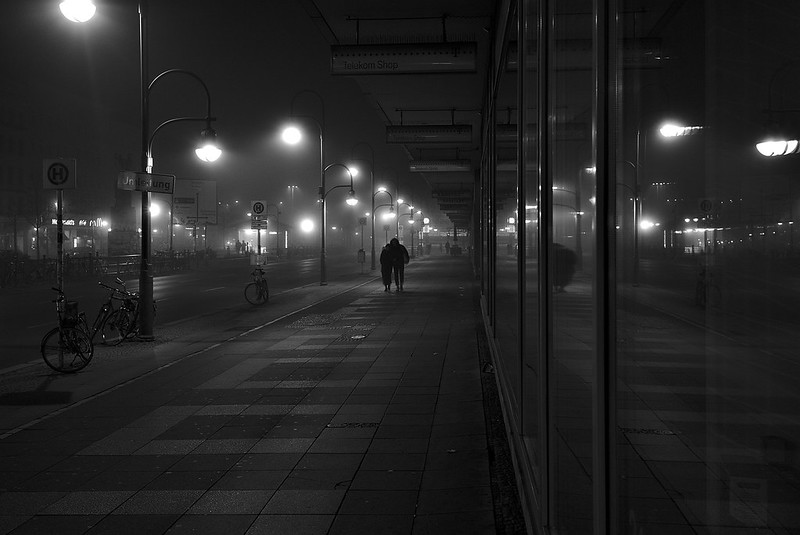 Hermannplatz at night BW