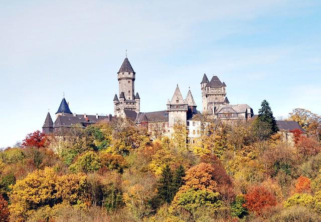 Schloss-Braunfels im Herbst