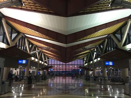 iphone cellphone airport phoenix az sunrise travel sooc perspective architecture