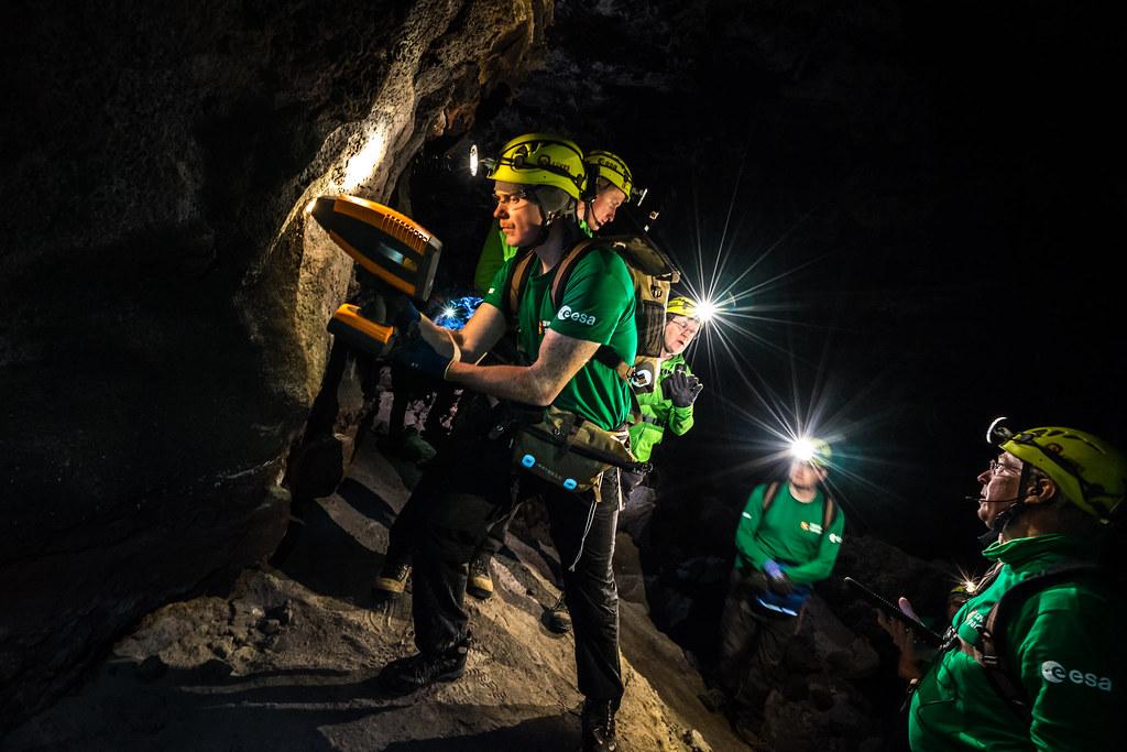 2018-11-15_Lava tube explorers_ESA–A. Romeo