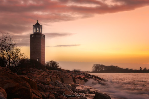 2018 averypoint connecticut connecticutphotographer d750 dawn december landscapephotographer lighthouse longislandsound morning naturephotographer nikon sunrise winter digital water