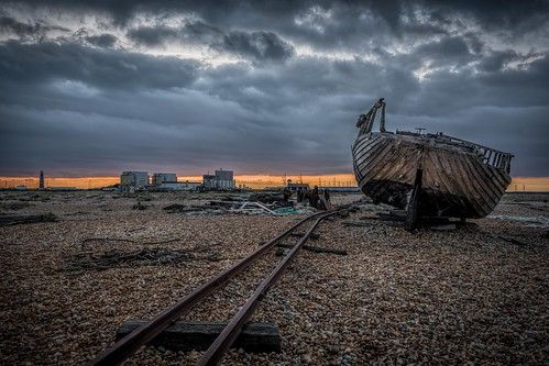 wreck beach nikon d7100 derelict dungeness tamron1024f3545diiivchld boat pebbles railway winter kent sunset clouds england abandoned rails winch bleak gloomy