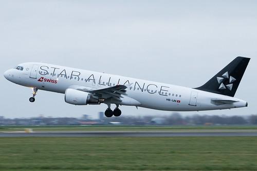 Swiss A320 HB-IJN (Star Alliance)   by Werner Verbogt