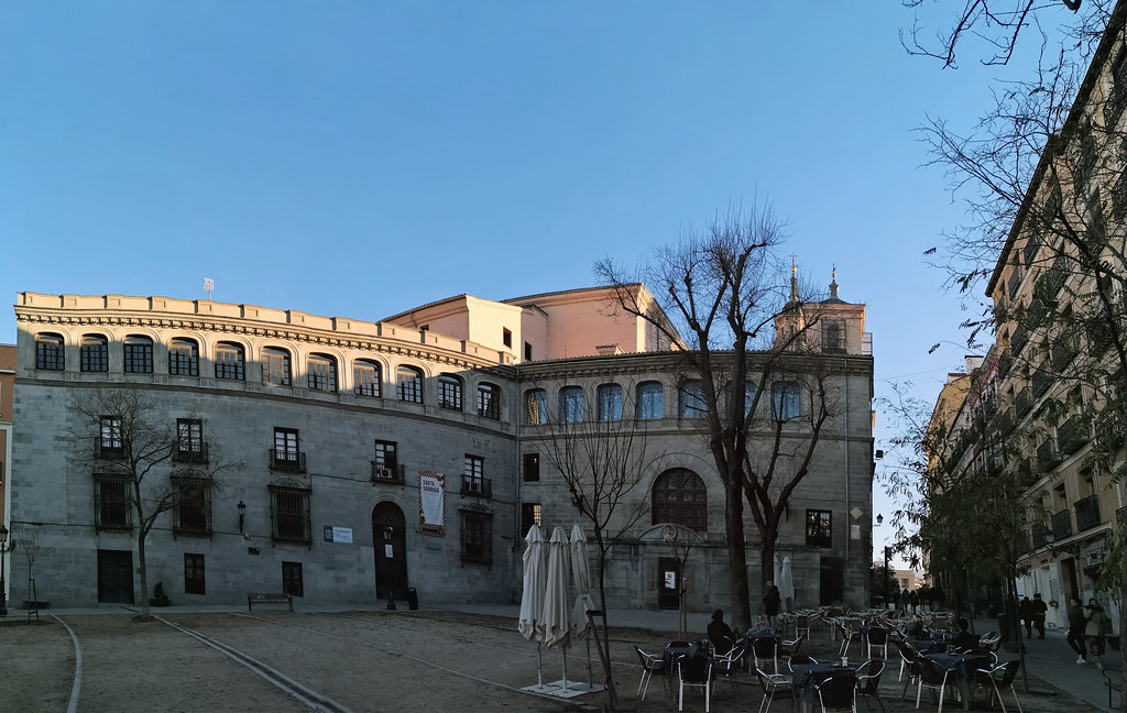 Exterior Capilla Del Obispo De Plasencia Y Plaza De La Paj Flickr