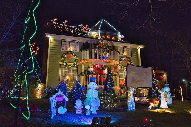 Connaught Avenue Christmas Lights, Halifax Nova Scotia 4