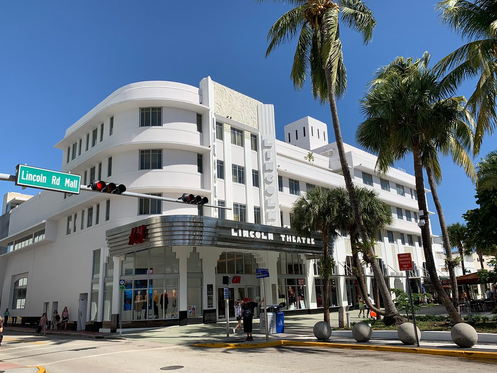 Restored Lincoln Theatre Now H M Lincoln Road Mall South B Flickr