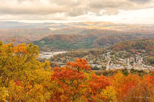 wisecounty norton virginia autumn autumncolors fall fallcolor backroadphotography nikond7200 colorful mountains