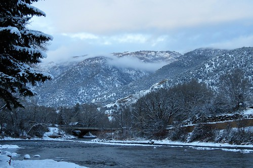 veltus kiwanis park roaringfork river snow mountains christmas eve glenwoodsprings colorado winter sunset clouds trees bridge