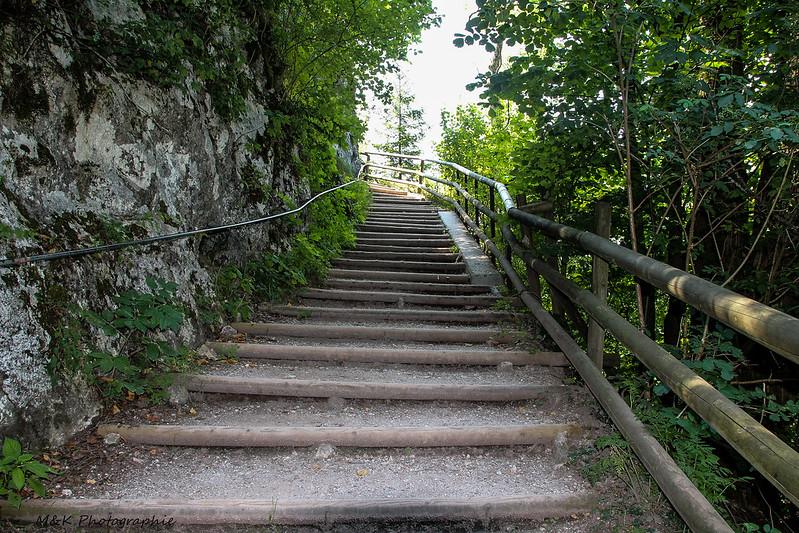 Eine Treppe und Weg in Österreich