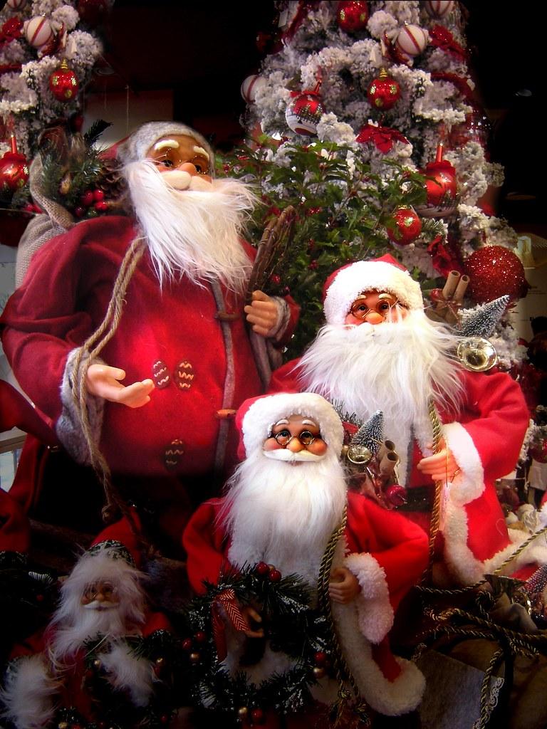 Babbo Natale Ho Ho Ho.Ho Sempre Pensato Che Non C E Un Solo Babbo Natale Flickr