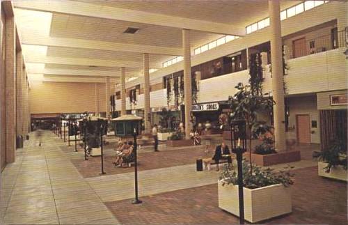 1977 Lincoln Square Shopping Center, Urbana IL