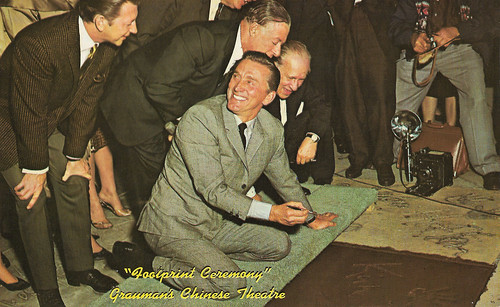Kirk Douglas, Footprint Ceremony Grauman's Chinese Theatre