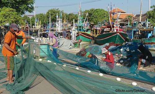 Fishermen at Pelabuhan Pasuruan