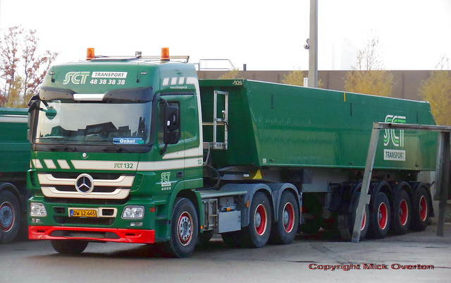 SCT Mercedes Actros DW12445 - just about the sole Mercedes in a fleet 90% Volvo