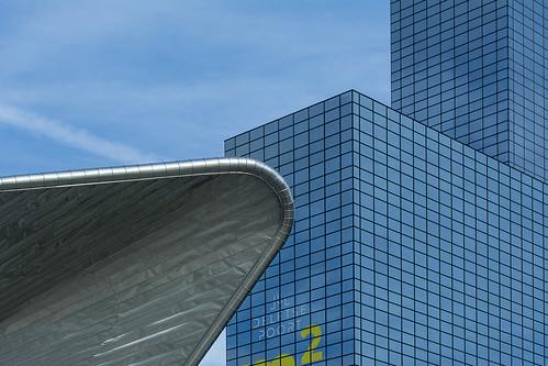 Shape contrast in Rotterdam