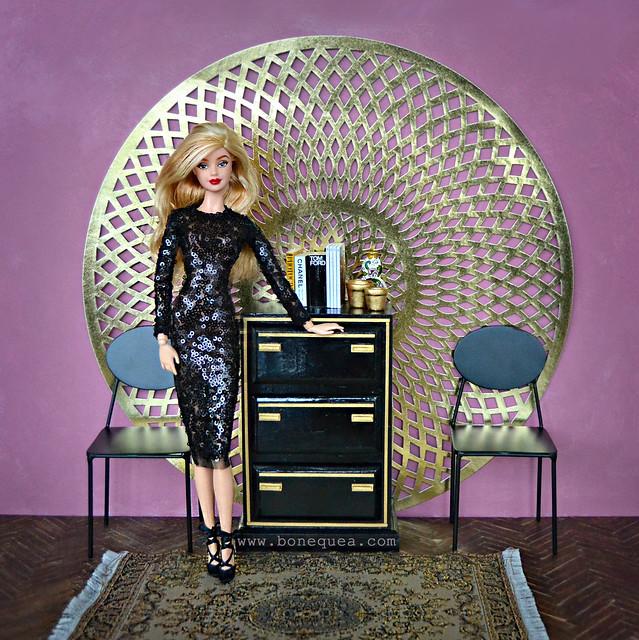 Sigo personalizando muebles: cómoda en negro y dorado