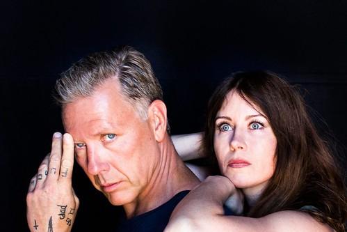 Mikael Persbrandt och Anna Odell