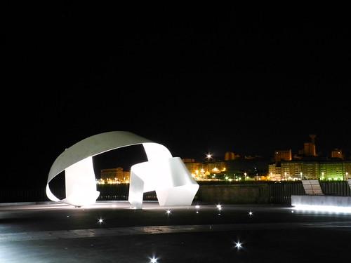 La noche ilumina la ciudad
