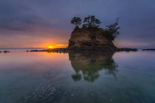 ocean beach sunrise tor island calm reflection glow nature longexposure nikon dawn newzealand