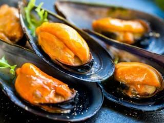 cozze crude alla salmonella | by LA VOCE DEL PAESE
