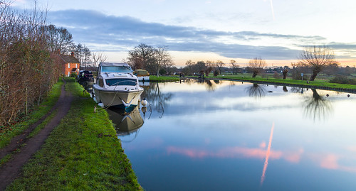 riverwey boats locks papercourtlockandcottage reflections sunrise towpath sky watersedge
