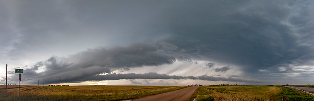 072718 - Storm Chasin in Nader Alley (Pano) 001