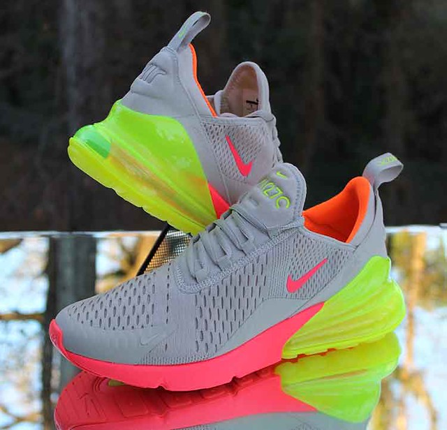Nike Air Max 270 Neon Women's Running Shoes 719916-013 Size 9