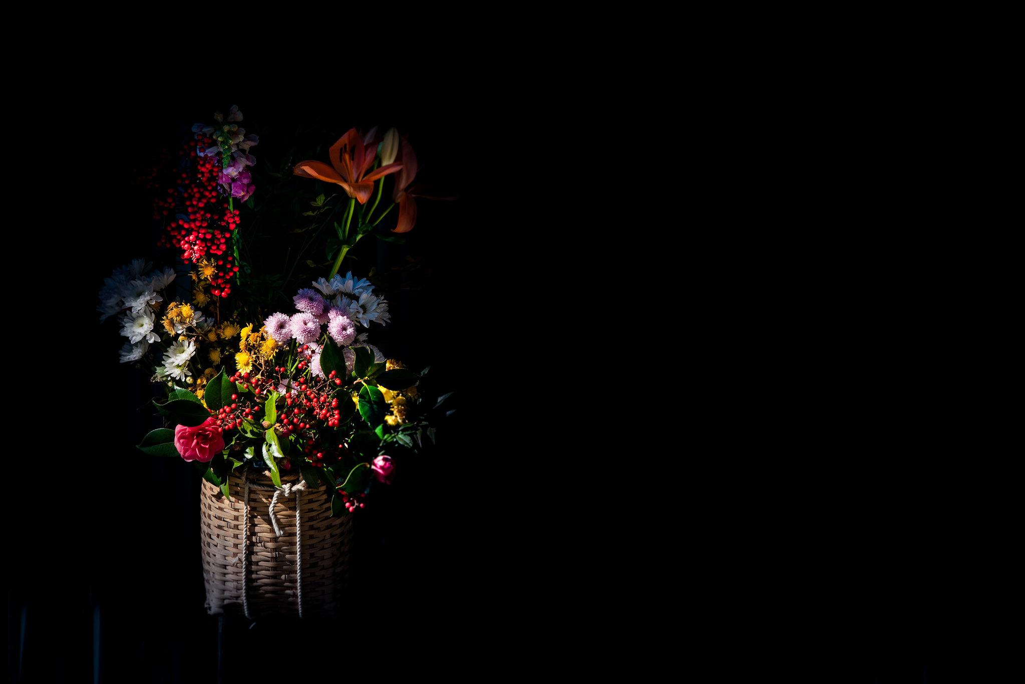 窓格子の花飾り