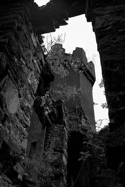 castle_ruins_L2014084