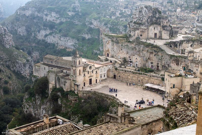 Piazza San Pietro Caveoso vista da via Madonna delle Virtù