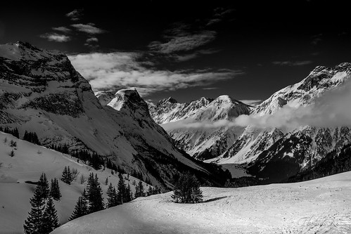 pralognan blackandwhite bnw cloud cloudy france hiver landscape montagne mountain nb nature neige outdoor savoie scenery snow summit view vista winter monochrome alpes peak landscapes naturepic naturephotographer sky ciel nuage paysage