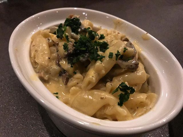 #kvpvegas Mushroom Mac-n-Cheese at @atomicliquors kitchen in Downtown Vegas. So creamy and the oyster mushroom slices added a cool woody, meaty flavor. Great bar food! NOM! #kvpinmybelly #macandcheese #mushrooms #barfood