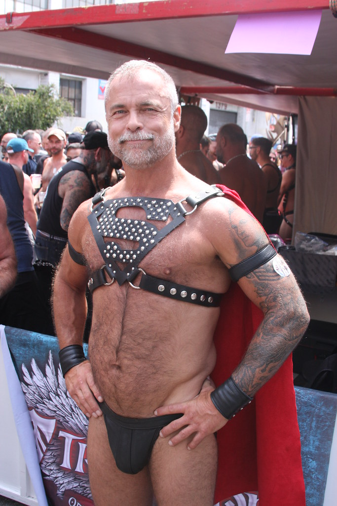 HELL YEAH! SUPER HUNKY LEATHERMAN ! ~  DORE ALLEY FAIR 2018 ! ( safe photo )