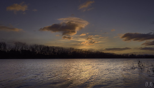 clouds connecticutriver color colorful cloudscape cloudy dawn wideangle goldenhour sonya7ii sunrise skyandclouds sky sonyvariotessartfe1635mmf4za water river reflectionphotography reflection rural