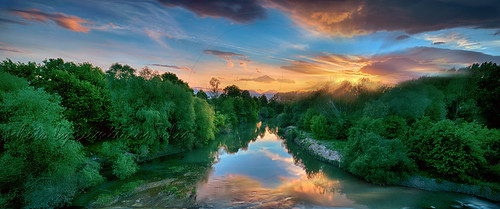 nomi trikala thessaly greece hellas river pinios sunset nature water waterscape flow floweffect reflections clouds sky effect trees vegetation ciel arbre mer eau coucherdesoleil rivière pelouse rays sunrays landscape country dramaticsky colors piniosriver