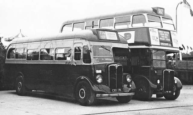 London transport 9T9 T448 and RT3496. Circa 1971.