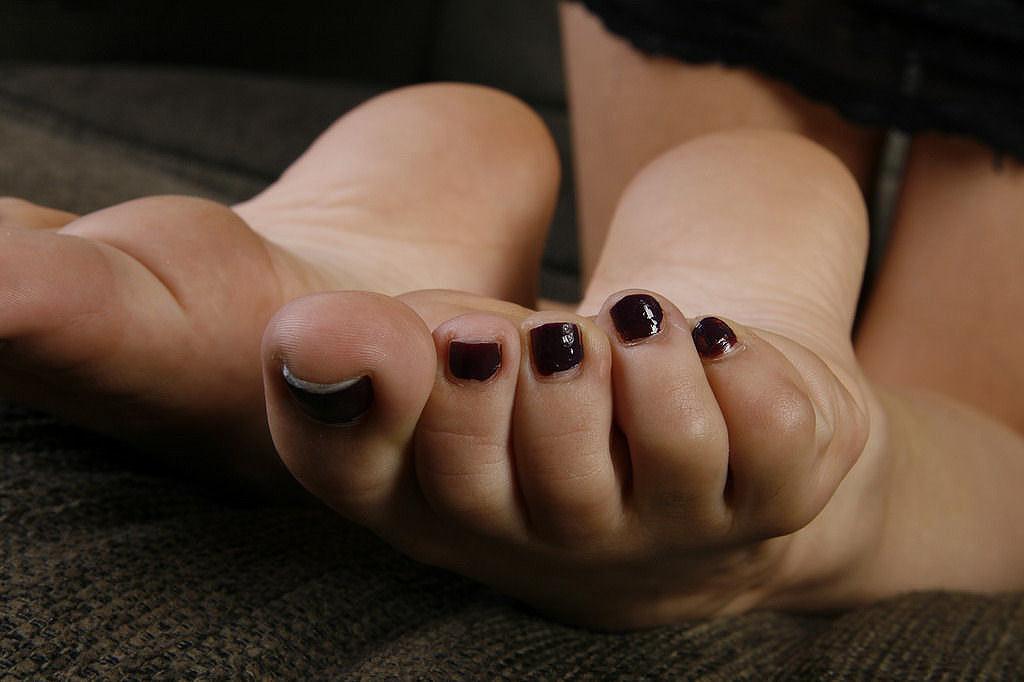 Kayla-Jane-Danger-Feet-975105   FeetShoesAddict   Flickr