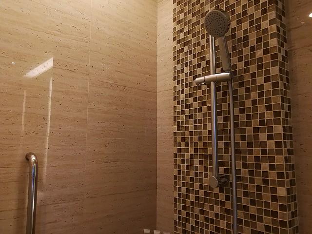 <p>シャワー</p>