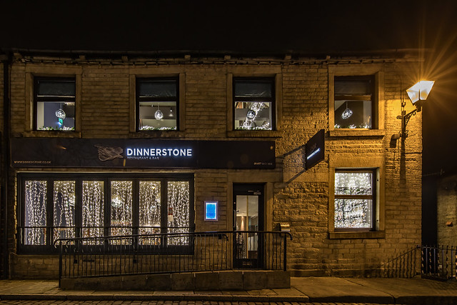 Dinnerstone - Uppermill