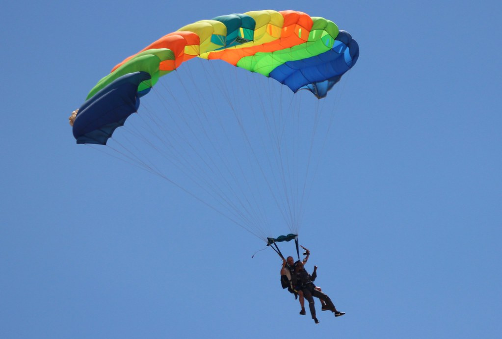 December Skydiving | Gaborone Skydiving Club and the Parachu