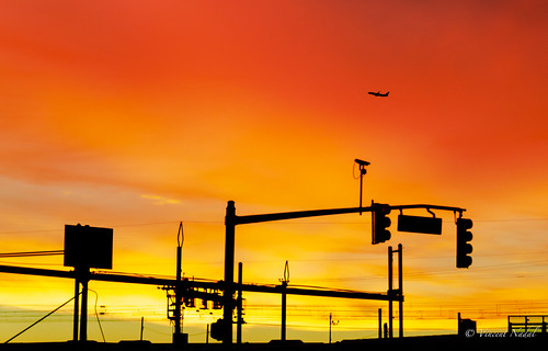 path nj newjersey harrison sunrise sky red orange pink nikon d7000 18200 colorsclouds plane jet aviation commercialaviation 737 boeing newarkairport ewr train silouette highcontrast firesky frankerodgersblvd