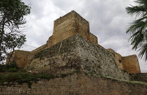 aragonese castle castello château burg middleages medieval architecture piazzaarmerina enna sicile sicilia sicily italia italie italy italien eu europe tours towers carrés square
